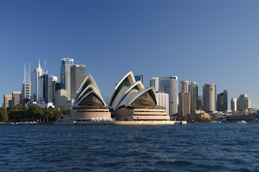 Sydney_opera_house_and_skyline